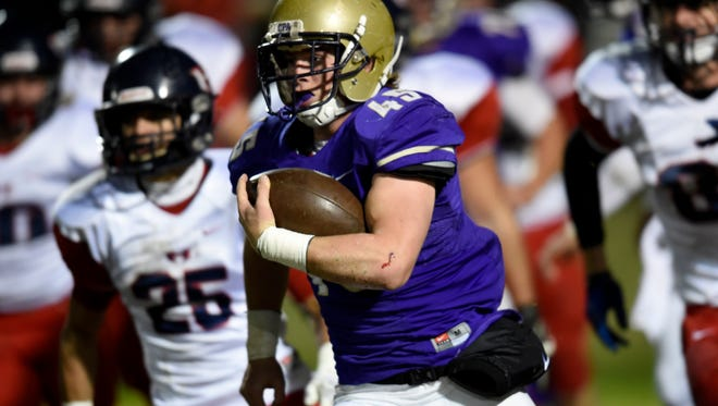 CPA running back Chip Omer races past the White House Heritage defense.