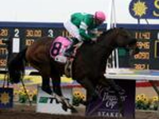 Mike Smith rides Kelly Leak to a win in the 2009 Sunland Derby at Sunland Park Racetrack & Casino.