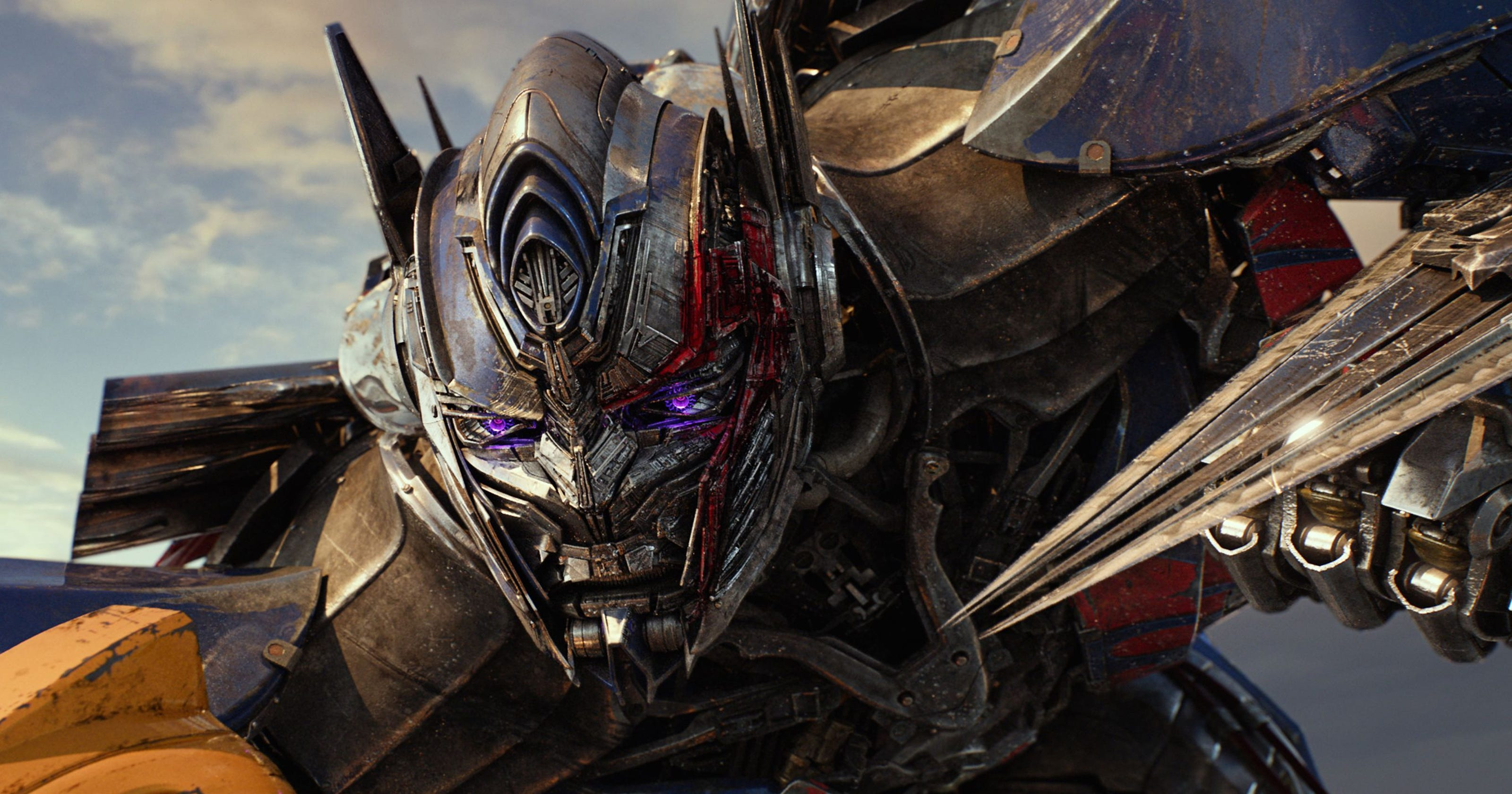 Review: 'Transformers: The Last Knight' reaches new level of bad