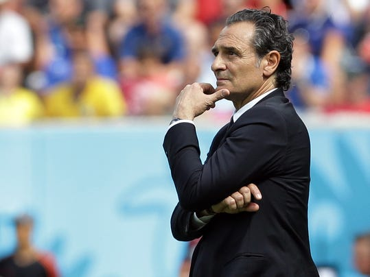Italy's head coach Cesare Prandelli stands on the touchline during the group D World Cup soccer match between Italy and Costa Rica at the Arena Pernambuco in Recife, Brazil, Friday, June 20, 2014. (AP Photo/Antonio Calanni)