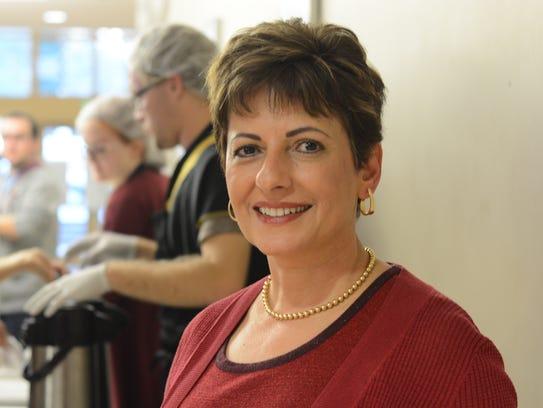 Director Zeina Schlenoff, Arabic outreach program coffee