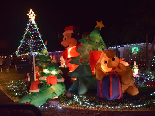 Victoria Park In Naples Lights Bright During The Holidays