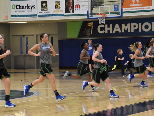 UWF women's basketball players run post-practice wind