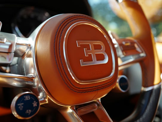 The steering wheel of the Bugatti Chiron is a blend