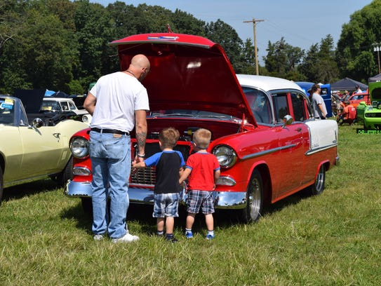 The Rollin Rods car show at Bellview Winery caught