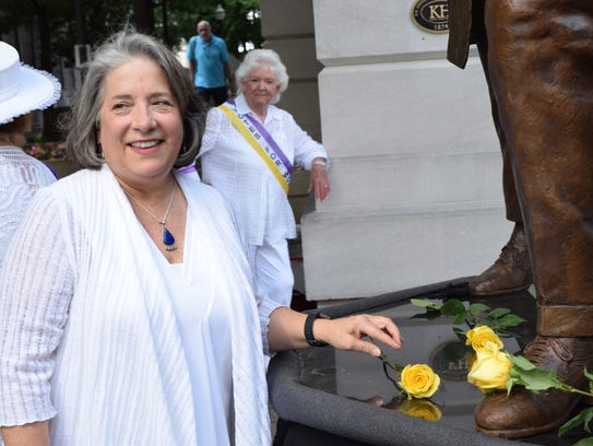 Knoxville mayor Madeline Rogero spoke at the unveiling