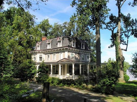 "Glenholme, a stately home in Nyack, was used in both ""Stepmoms,"" and ""The Bounty Hunter."""