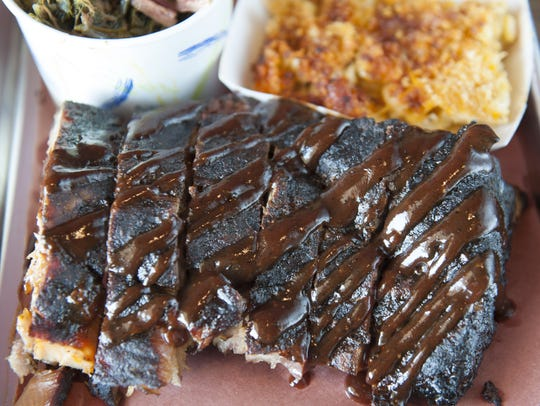 Baby back ribs, greens, and baked mac & cheese at Oink