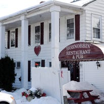 Hobnobbin Restaurant & Pub in Red Oaks Mill.