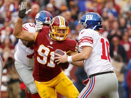 Nov 29, 2015; Landover, MD, USA; New York Giants quarterback