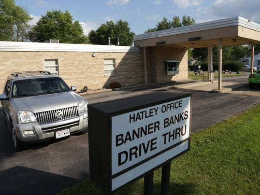Banner Banks robbed