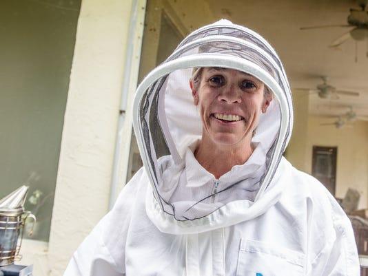 JCNW-Amy-Carden-bees-20171115-DSC-6383.jpg