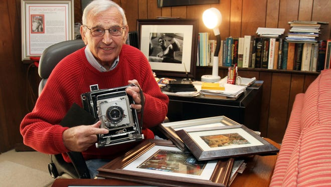 Hanns Kohl of West Nyack has been photographing Manhattan during the holiday season since 1962.