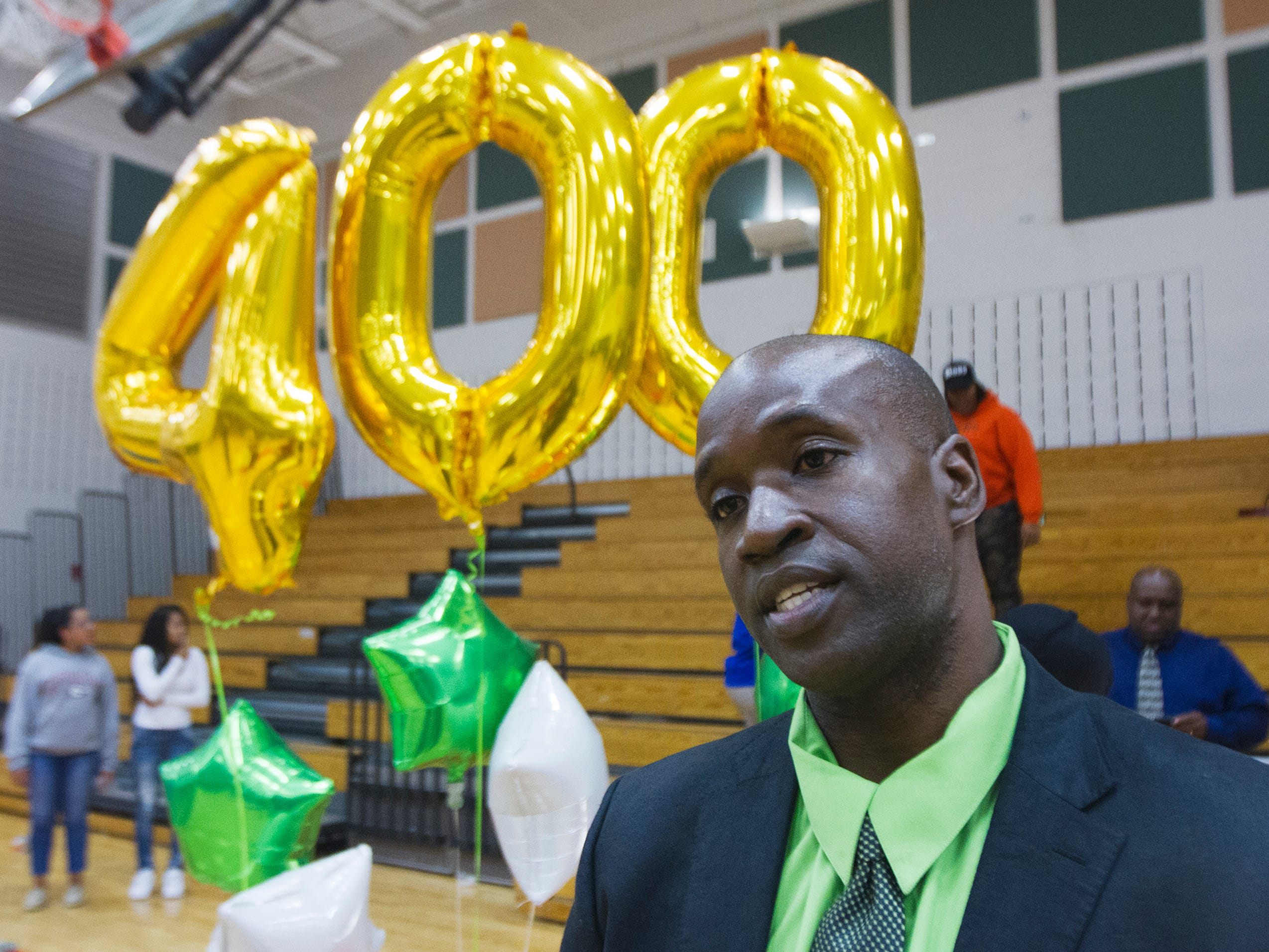 Dwayne Donnell, who led the Dunbar girls basketball team to a state title and has won 400 games, considers the late Jeff Sommer an invaluable mentor and Lee County coaching icon.