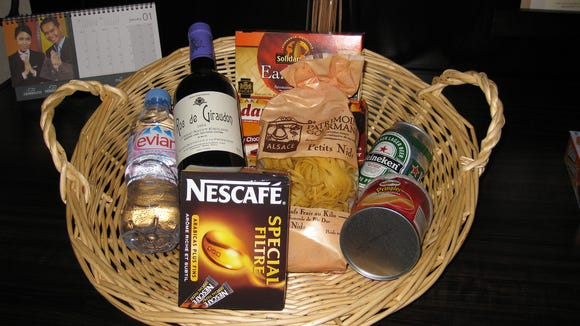 10 Things We Want In Our Hotel Welcome Basket