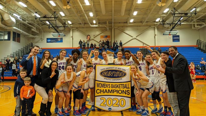 SUNY New Paltz celerates its SUNY Athletic Conference women's basketball title after beating SUNY Cortland on Saturday.