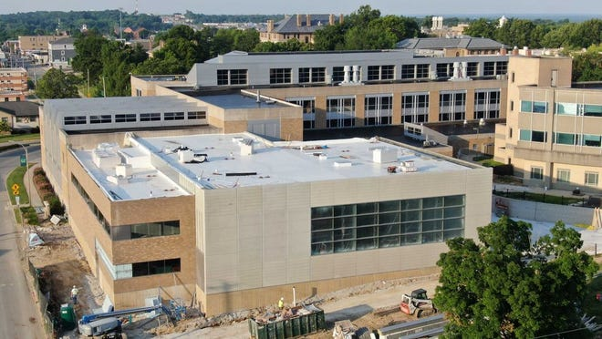 The expansion of Missouri S&T's Clayco Advanced Construction and Materials Laboratory added 14,600 square feet of new space for infrastructure research.