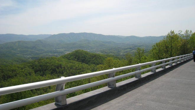 The view from the scenic Foothills Parkway overlooking the Great Smoky Mountains National Park near Walland, Tenn., on May 2, 2008.  (AP Photo/Duncan Mansfield).
