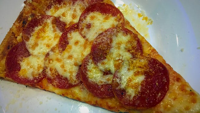 Mellow Mushroom serves slices ($2.49 plus 55 cents for pepperoni) during lunch from 11 a.m. to 2 p.m. Monday to Friday. Diners can choose from pepperoni, Italian sausage or beef slices.