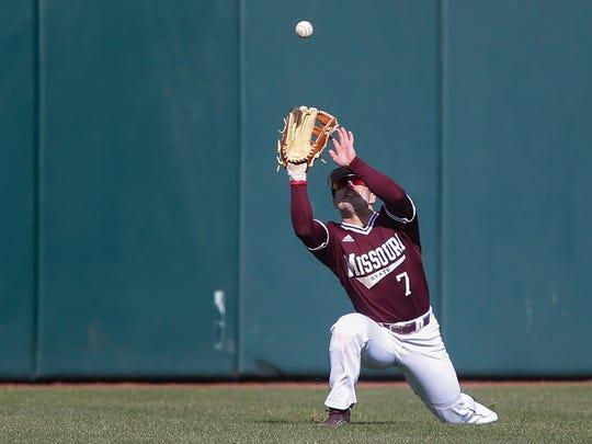 Hunter Steinmetz, of Missouri State, makes the catch