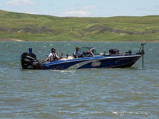 636087589306589902-Lund-boat-4-wheel-drive-trolling.jpg