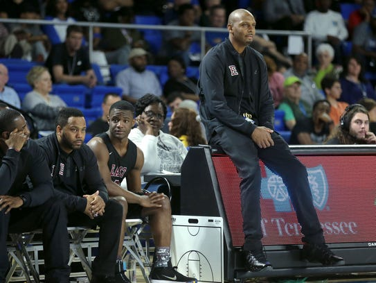 Memphis East Coach Anfernee Hardaway watches the action