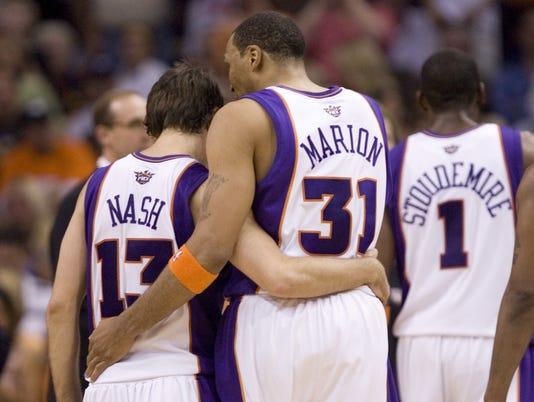 Suns0401 141586 Suns Mavs Steve Nash Shawn Marion