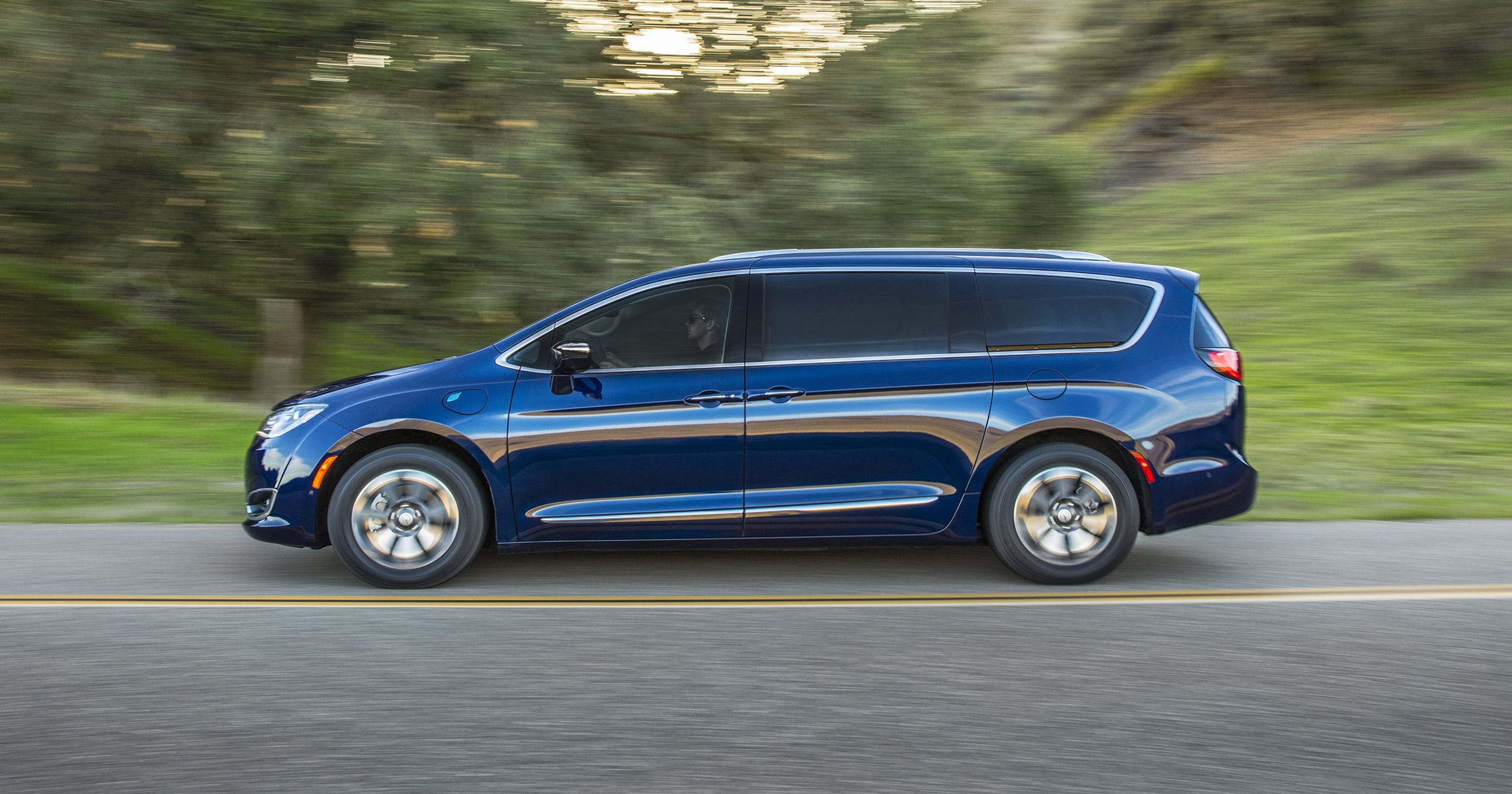 Fca Says Long Awaited Pacifica Hybrids Are On The Way
