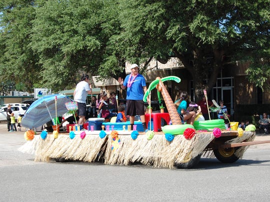The float entered by the Holy Family Catholic Church