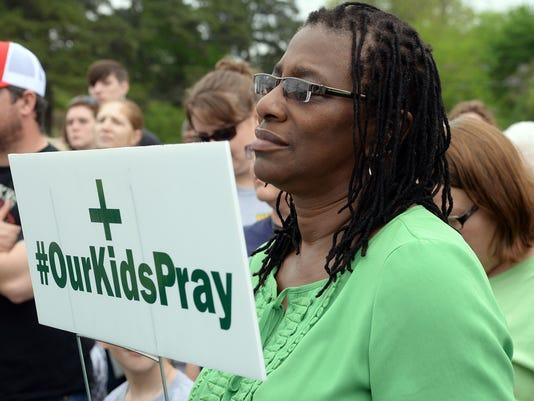 SHR Walnut Hill Prayer 0403
