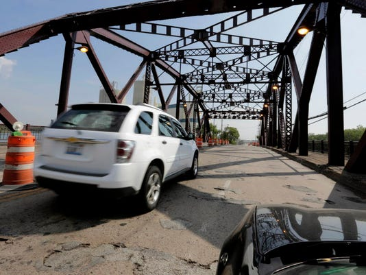 AP INFRASTRUCTURE HIGHWAY FUNDING ILLINOIS A USA IL
