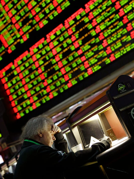 trumptrackersportsbetting0111.JPG