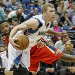 Former Purdue forward and Minnesota Timberwolves Robbie Hummel (4) has reportedly agreed to terms with Italian team Olimpia Milano.