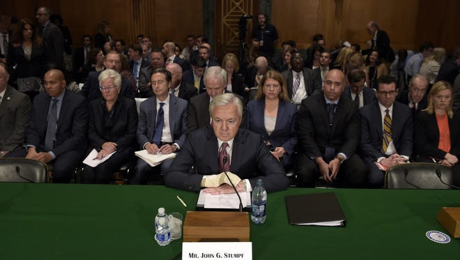 Wells Fargo CEO John Stumpf appeared before a Senate committee. Surprisingly, he knew nothing about the massive fraud his company is accused of perpetuating.