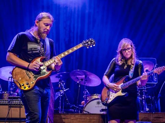 Derek Trucks (left) and Susan Tedeschi co-lead the