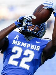 University of Memphis' Tyrez Lindsey during pregame