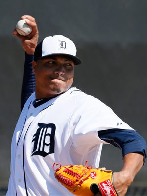 Detroit Tigers pitcher Alfredo Simon throws in the bullpen at spring training on February 20, 2015 in Lakeland, Fla.