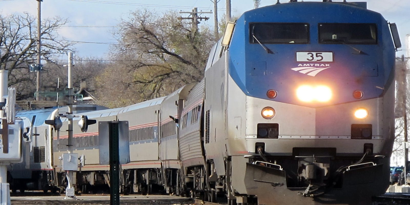 Man killed after getting struck by Amtrak train in Dearborn