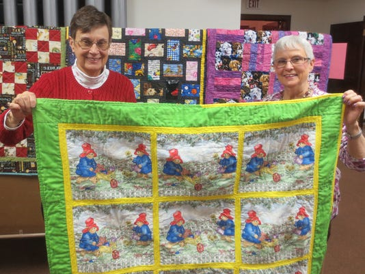 636174808103388530-Advent-quilters-for-12-25-16.jpg