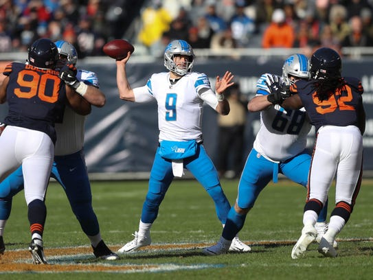 Matthew Stafford passes against the Chicago Bears in