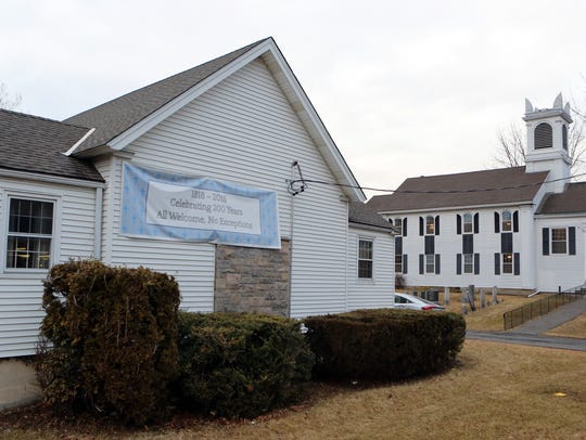 The Hawthorne Reformed Church offers drive thru ashes