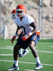 UTEP linebacker Kalaii Griffin applies the defensive