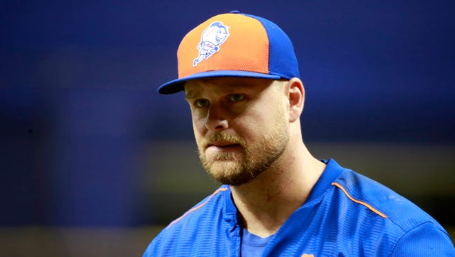 Lucas Duda works out prior to a game against the Rays at Tropicana Field.