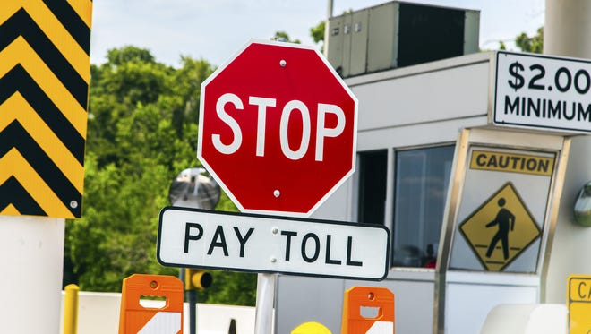 A Washington state man says he just paid more than $18,000 in bridge tolls for his son who crossed the 520 bridge daily for work but never got a Good To Go pass.