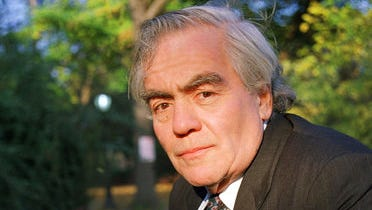 Author-columnist Jimmy Breslin poses for a photo in New York. Breslin, the Pulitzer Prize-winning chronicler of wise guys and underdogs who became the brash embodiment of the old-time, street smart New Yorker, died March 19, 2017. His stepdaughter said Breslin died at his Manhattan home of complications from pneumonia.