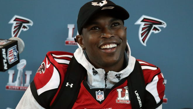 Falcons WR Julio Jones led the NFL  in 2016 with more than 100 receiving yards per game.