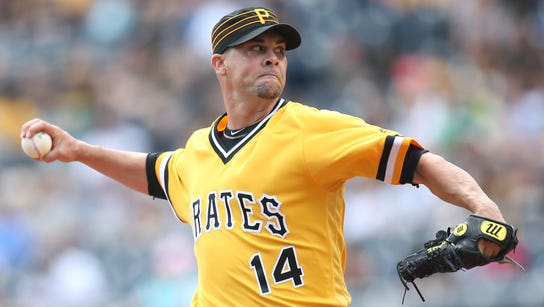 Pittsburgh Pirates relief pitcher Ryan Vogelsong (14)