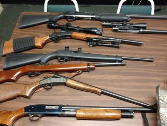 635998769897991172-Guns.JPG