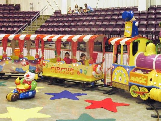 ELM 050113 circus 9 jdm