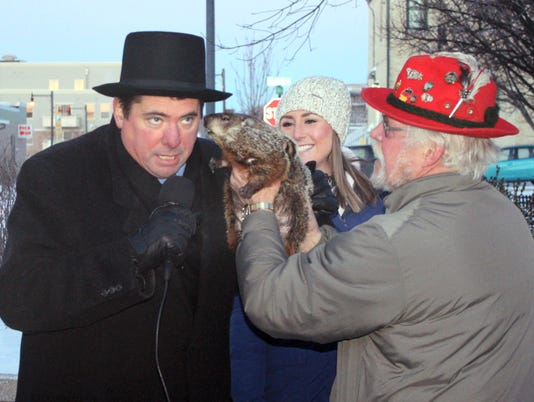 Groundhog Bites Mayor_Wils.jpg
